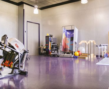 Oasis Rehabilitation and Nursing physical therapy room